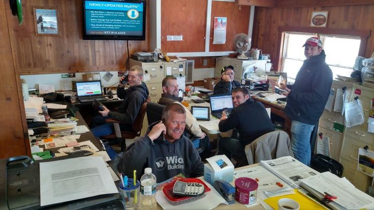Trent, Dale, Dan, Kevin, Karl, and Jerry hard at work!